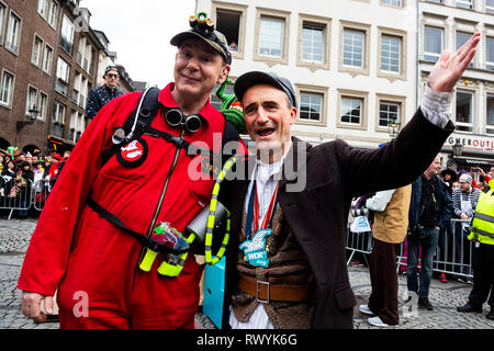 Düsseldorf, Germany. 4 March 2019. L-R: Jacques Tilly, German float designer, and Thomas Geisel, mayor of Düsseldorf. The annual Rosenmontag (Rose Monday or Shrove Monday) carnival parade takes place in Düsseldorf. - Stock Image