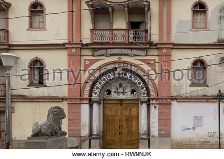 17th Century building, the Colegia Seminario Tridentino San Ramon, in Leon, Nicaragua.  This building dates from 1680.  Detail of larger building - Stock Image