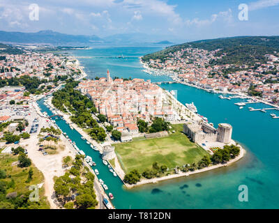 Aerial view of touristic old Trogir, historic town on a small island and harbour on the Adriatic coast in Split-Dalmatia County, Croatia. Stone Kamerl - Stock Image