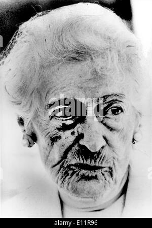 Dec 19, 1979; Vienna, Austria; The 'Great Old Lady of the Burgtheater in Vienna' so she is called since centuries, the actress ROSA ALBACH RETTY, now she becomes 105 years old, on Dec. 26th she celebrates this rare birthday. Under the title 'Hundred years are very short,' the mother of Wolf Albach Retty and the grandma of wellknow actress Romy Schneider published a year ago her memoirs, in which the surely oldest writer of the world wrote about her private and professional life. - Stock Image