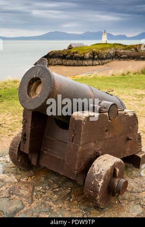 UK, Wales, Anglesey, Newborough, Llanddwyn Island, old cannon used to summon lifeboat crew - Stock Image