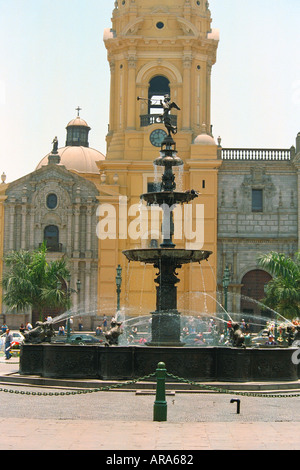 Water Fountain, Plaza de Armas, Lima, Peru - Stock Image
