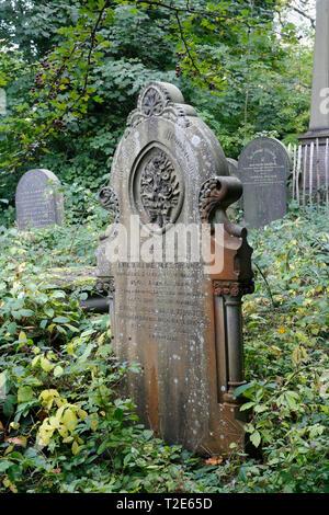 Gravestones Memorials in the General cemetery Sheffield, England UK - Stock Image