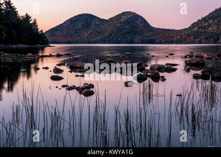 Sunset at The Bubbles on Jordan Pond in Acadia National Park. - Stock Image