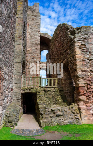 The corner between the Douglas Tower (left) and the Great Hall, Tantallon Castle.  Near North Berwick, East Lothian, Scotland, UK - Stock Image