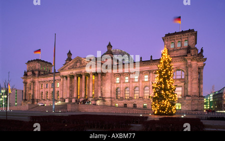 Berlin Reichstag in winter christmas tree - Stock Image