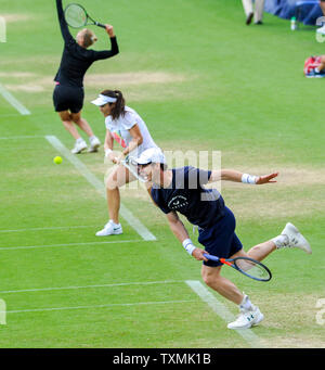 Eastbourne, UK. 25th June, 2019. Andy Murray during a training session before his doubles match later on at the Nature Valley International tennis tournament held at Devonshire Park in Eastbourne . Credit: Simon Dack/Alamy Live News - Stock Image