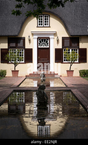 The Cape Dutch homestead at the Vergelegen wine estate in the Western Cape, South Africa. - Stock Image