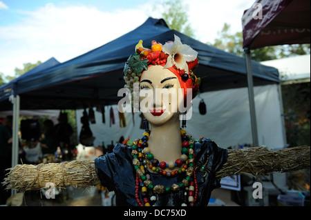 Scarecrow in Carmen Miranda style - Stock Image