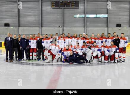 Bratislava, Slovakia. 18th May, 2019. The Czech national ice hockey team pose for an official photo at the 2019 IIHF World Championship in Bratislava, Slovakia, on May 18, 2019. Credit: Vit Simanek/CTK Photo/Alamy Live News - Stock Image