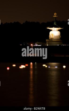 PICTURE CREDIT DOUG BLANE Japanese Buddhist Peace Pagoda Nippon Myohoji Milton Keynes England Great Britain - Stock Image