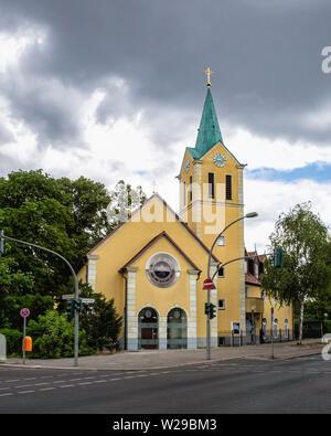 Wilmersdorf-Berlin. St. Petrus Kirche, Priory of St. Peter church building built 2001-2004, architect Hermann Feller. Roman Catholic Church - Stock Image