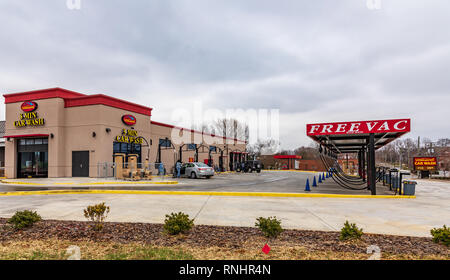 HICKORY, NC, USA-2/17/19: A fast car wash, with do-it-yourself, vacuuming and detailing. - Stock Image