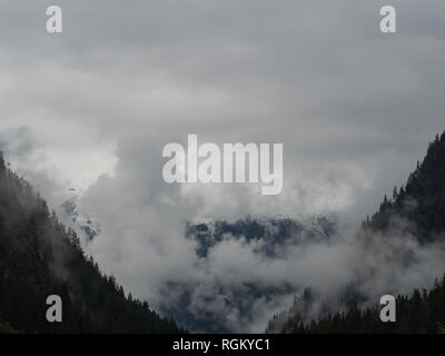 Valley view cloudy day - Stock Image