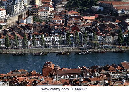 Porto, Portugal. 19th Aug, 2015. © Dominic Dudley/Pacific Press/Alamy Live News - Stock Image