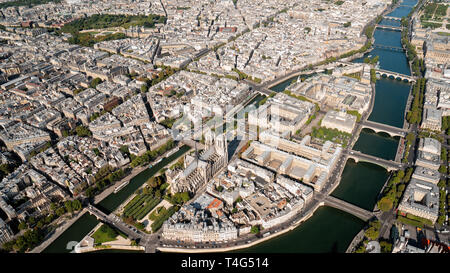 Aerial of Notre-Dame in full glory - Stock Image