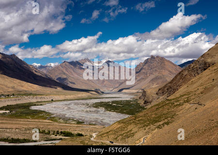 India, Himachal Pradesh, Spiti Valley, elevated view of river and surrounding mountains - Stock Image