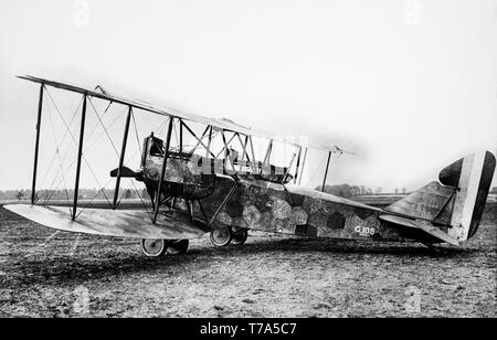 A German Air Force AEG. G.IV twin engined bomber aircraft of the First World War. This aircraft, serial number G-105 was shot down by the British and captured on 23rd December 1917. Contemporary black and white photograph. - Stock Image