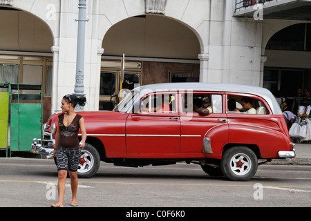 Oldtimer in Havanna Center on Paseo de Marti near Capitol, Cuba - Stock Image