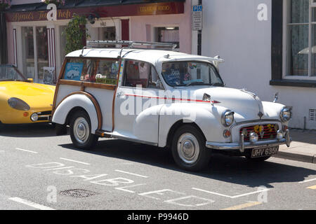 Old Morris Traveller in pristine condition, Beaumaris, Anglesey, Wales - Stock Image