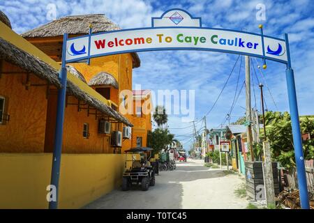 Welcome Greeting Sign to Caye Caulker in Belize, small Island in Caribbean Sea and famous travel destination near Ambergris Caye - Stock Image