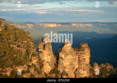 Three Sisters Sunset, Blue Mountains National Park - Stock Image
