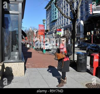 Woman Shopping in Chinatown District, Washington DC - Stock Image