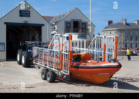 Lifeboat station and lifeboat, Beaumaris, Anglesey, Wales - Stock Image