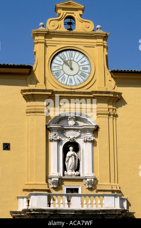 Typical Colourful architecture in the centro storico of Fermo in Le Marche Italy - Stock Image
