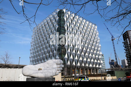 The American Embassy building exterior in Nine Elms Lane, Wandsworth,  West London England UK  KATHY DEWITT - Stock Image