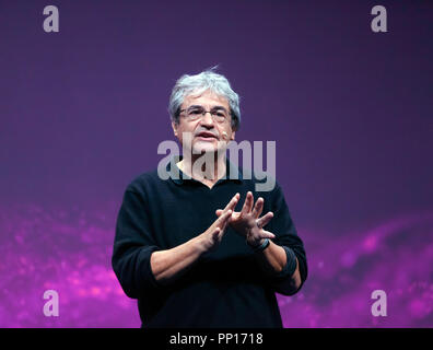 Carlo Rovellii discussing the nature of time and how it is more complex than intuition suggestes, on the Main Stage at New Scientist Live - Stock Image
