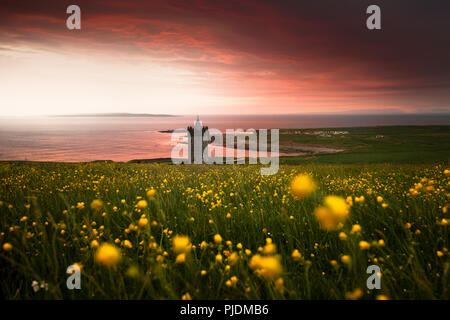 Doonagore Castle, Doolin Castle at sunset, Doolin, Clare, Ireland - Stock Image