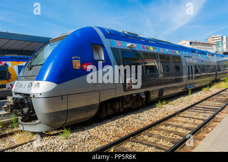 Aix-en-Provence, FRANCE, French Local Train, SNCF TER, in Station - Stock Image