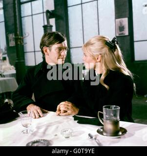 Tom Courtenay and Julie Christie / Doctor Zhivago / 1965 directed by David Lean [Carlo Ponti Production / Metro - Stock Image