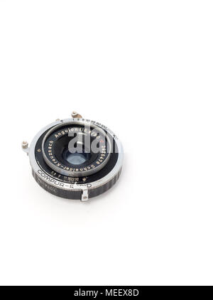 Schneider-Kreuznach Angulon 90mm f/6.8 wide-angle large format lens in a Compur-Rapid shutter - Stock Image