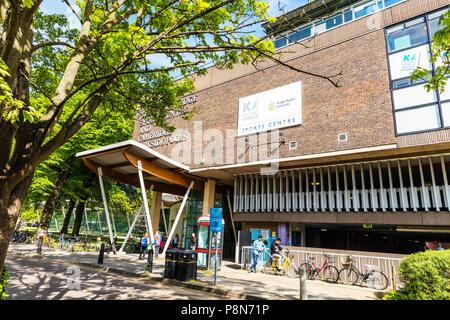 Kelsey Kerridge Sports Centre, Angela Ruskin University, Cambridge, sports centres, Cambridge sports centre, sports centres Cambridge, pool, pools, UK - Stock Image