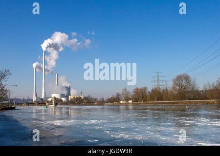 The icebound Neckar with Deizisau with power station old brook, Zugefrorener Neckar bei Deizisau mit Kraftwerk Altbach - Stock Image