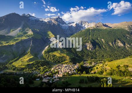 La Grave village with La Meije peak and glaciers in morning light. Ecrins National Park, Hautes-Alpes, French Alps, France - Stock Image