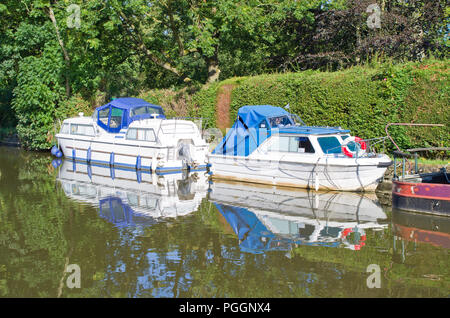 Cabin cruisers Leeds Liverpool Canal Skipton North Yorkshire Uk Pleasure Boats - Stock Image
