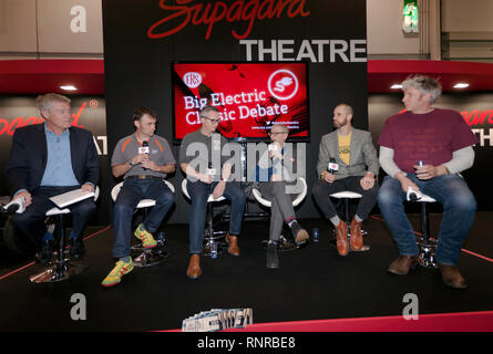 Panellists Tiff Needell, Edd China, Richard Morgan, Jonny Smith, Paul Hudson,and Tom Donachie discuss whether Classic Cars should be made into EVs - Stock Image