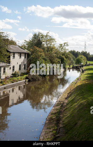 Lock keepers cottage on the Montgomery Canal near Lower Frankton Ellesmere Shropshire England - Stock Image