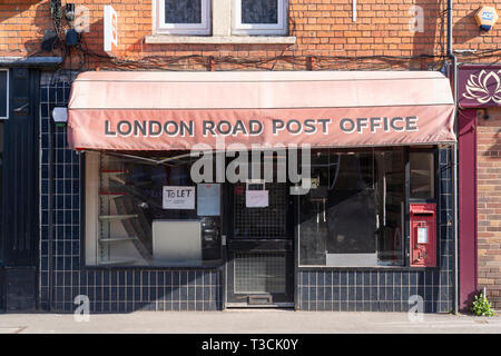 A post office branch closure on London Road, Worcester, UK - Stock Image