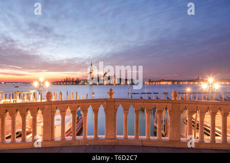 Sunrise, Bacino di San Marco, San Giorgio Maggiore Island in the Background, Venice, Veneto, Italy, Europe. - Stock Image