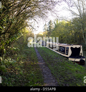 Narrowboats on the South Oxford Canal Upper Heyford Oxfordshire England UK GB Lower Heyford narrowboat boat autumnal - Stock Image