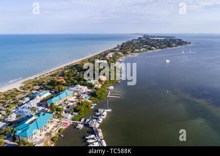 Captiva Island Florida Pine Island Sound Gulf of Mexico Roosevelt Channel 'Tween Waters Island Resort & Spa hotel aerial overhead bird's eye view abov - Stock Image