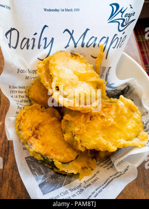 Magpie Café Whitby side dish of courgette slices fried in batter - Stock Image