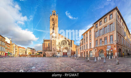 Panorama of Saint-Etienne square with Saint Stephen's Cathredal in Toulouse, France - Stock Image