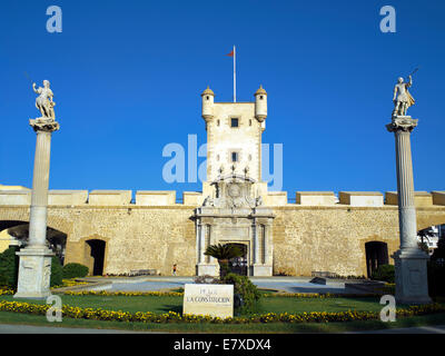 Monument and city gateway in Cadiz - Stock Image