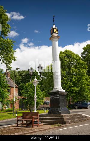 UK, Cumbria, Eden Valley, Appleby, High Cross outside castle entrance - Stock Image