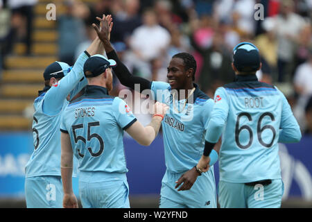 Birmingham, UK. Birmingham, UK. 11th July 2019; Edgbaston, Midlands, England; ICC World Cup Cricket semi-final England versus Australia; England celebrate as Jofra Archer takes the wicket of Glenn Maxwell caught by Morgan for 22 runs Credit: Action Plus Sports Images/Alamy Live News - Stock Image